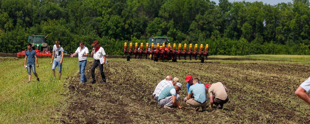 Демонстрация сельскохозяйственной техники и технологий «День воронежского поля»